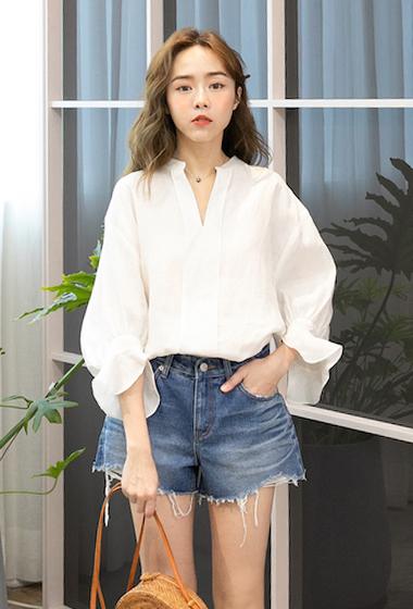 韓國V領前壓褶造型上衣
